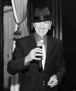Stanley Sings Sinatra image