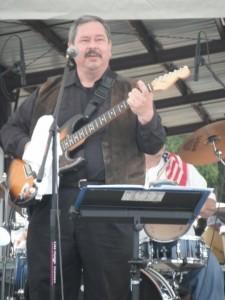 Tom Roddey - Guitar Singer