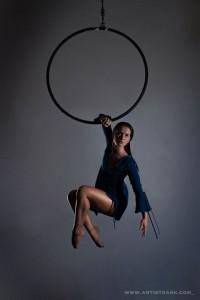 Phoebe Sellars - Aerialist / Acrobat