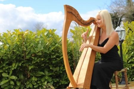 Caroline Stapleton - Multi-Instrumentalist