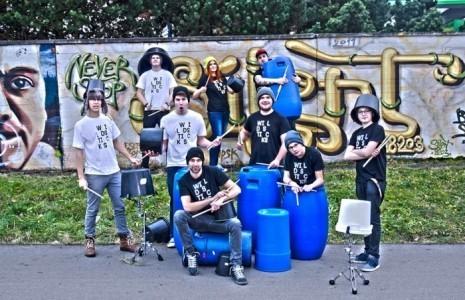 WILD STICKS - Drummer