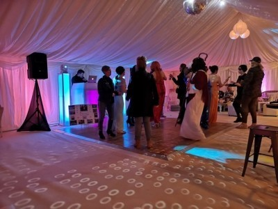 S.E.M.D Entertainments - Wedding DJ