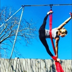 A touch of Sparkle - Aerialist / Acrobat