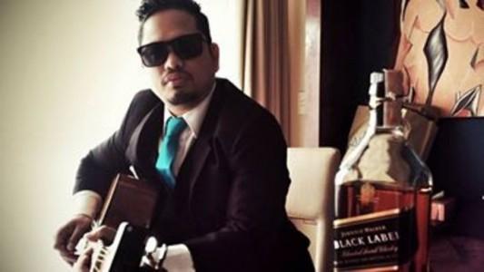 JPH - Acoustic Guitarist / Vocalist