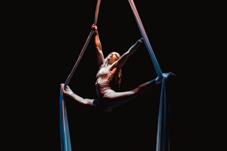 Sora Contemporary Circus - Aerialist / Acrobat