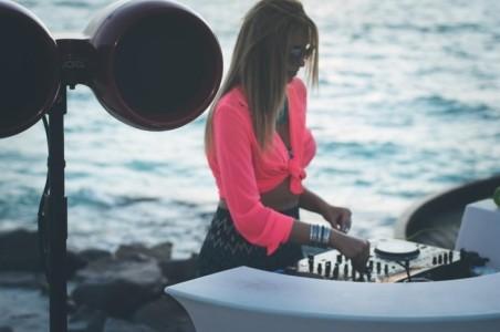 DJ YARA - Nightclub DJ