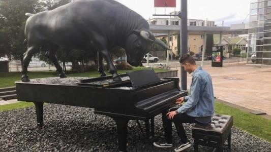 Braja Weld A.Dip.SCSM(Perf)(Hons) - Pianist / Keyboardist