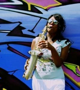Samantha-Jayne - Saxophonist