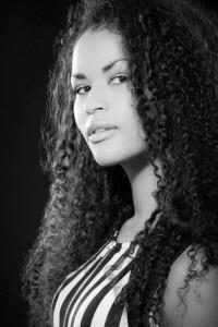 Siri Black - Female Singer