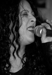 Mini - Female Singer
