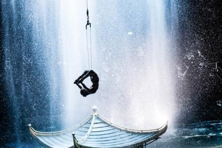 Olívia  - Aerialist / Acrobat