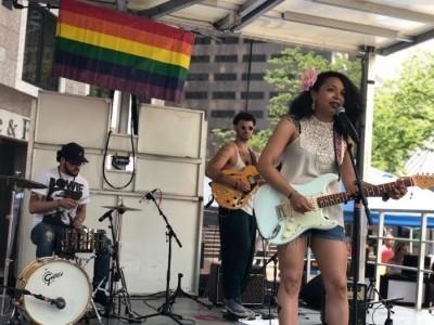 SueVee - Female Singer