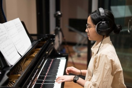 Chika Olivia - Pianist / Keyboardist
