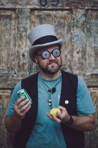 Chastain Criswell: Traveling Magician - Comedy Cabaret Magician