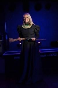 Lianne King  - Female Singer
