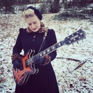 Miss Jones - Acoustic Guitarist / Vocalist