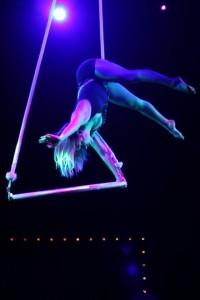 Maelys - Aerialist / Acrobat