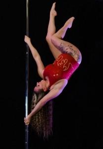 Claire Anderson - Aerialist / Acrobat