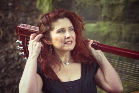 Ursula Burns - harpist image