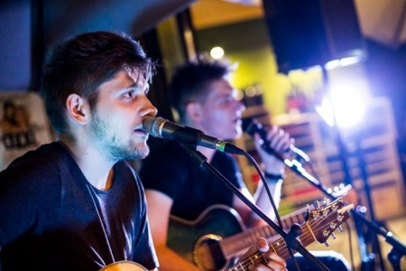 Justin 3 - Acoustic Band