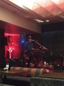 Lee Rugless - Pianist / Singer