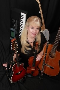 Kelley Kennedy One Woman Band - Multi-Instrumentalist