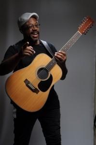ROGÉRIO LAZUR & A BANDA INVISÍVEL (One man band) - Guitar Singer