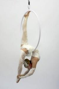 Jo Foley - Aerialist / Acrobat