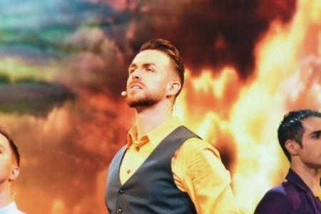 James McKay Gibson - Male Singer