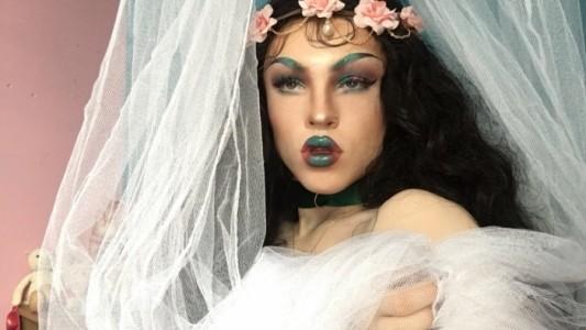 Dolls Nest  - Drag Queen Act