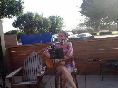 Donacat - Acoustic Guitarist / Vocalist