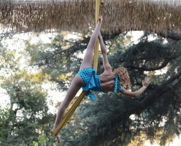 Alicen Abler - Aerialist / Acrobat