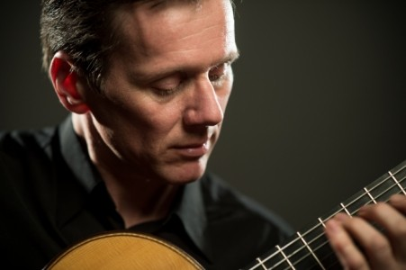 Classical guitarist Robert Bekkers - Other Instrumentalist