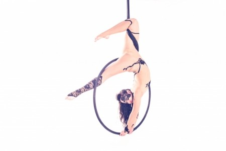 Maggie Di Pane - Aerialist / Acrobat