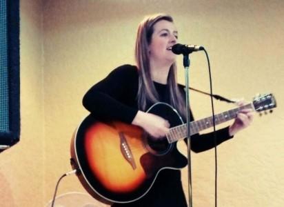 Rebecca Done - Female Singer