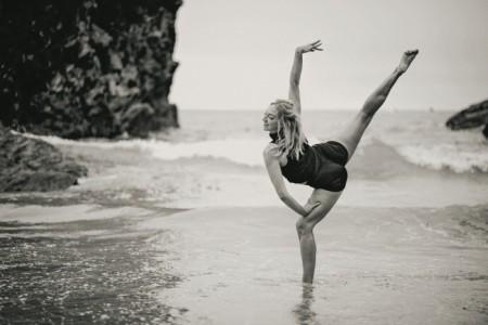 Ginny Thomas - Female Dancer