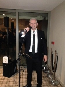 Ronan McArdle - Male Singer