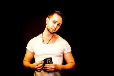 Joel Travis Bentley - Close-up Magician