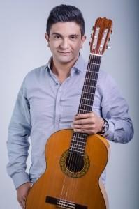 Luis É - Guitar Singer