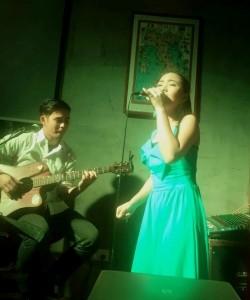 Hazel and Yang Duo - Guitar Singer
