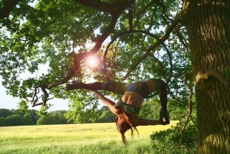 Tessa Alexandra Maxwell - Aerialist / Acrobat
