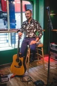 Guitarist & Vocalist - Guitar Singer