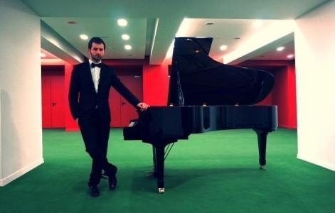 Rodideal Radu  - Pianist / Keyboardist