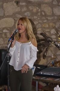 Jodie - Female Singer