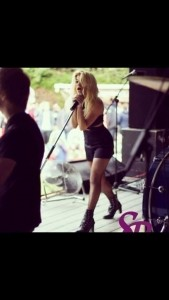 Livvy And The Noize - Cover Band