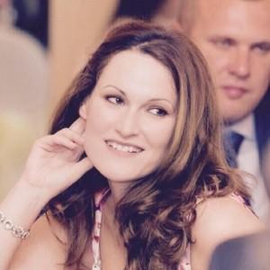 Lindsay Nicholls-Smith - Female Singer