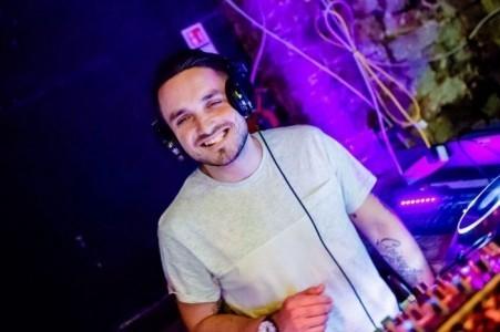 AbouT_Time - Nightclub DJ