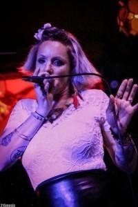 Bettie Starry - Female Singer