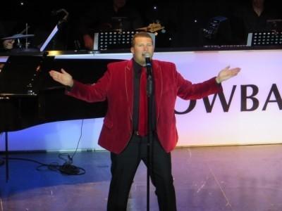Bob Style Headline Entertainer - Pianist / Singer