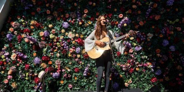 Zoe Wren - Guitar Singer